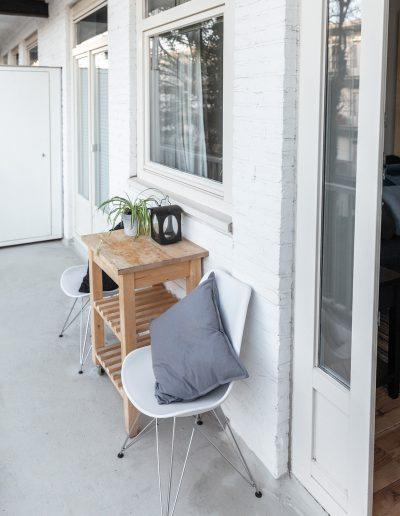 Balkon met ochtendzon